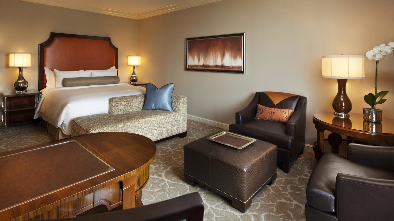 Superior Guest Room - Luxury Hotels in Houston - The St. Regis Houston