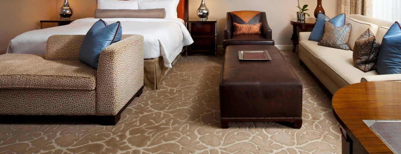 Grand Luxe Guest Room - Luxury Hotels in Houston - The St. Regis Houston Hotel