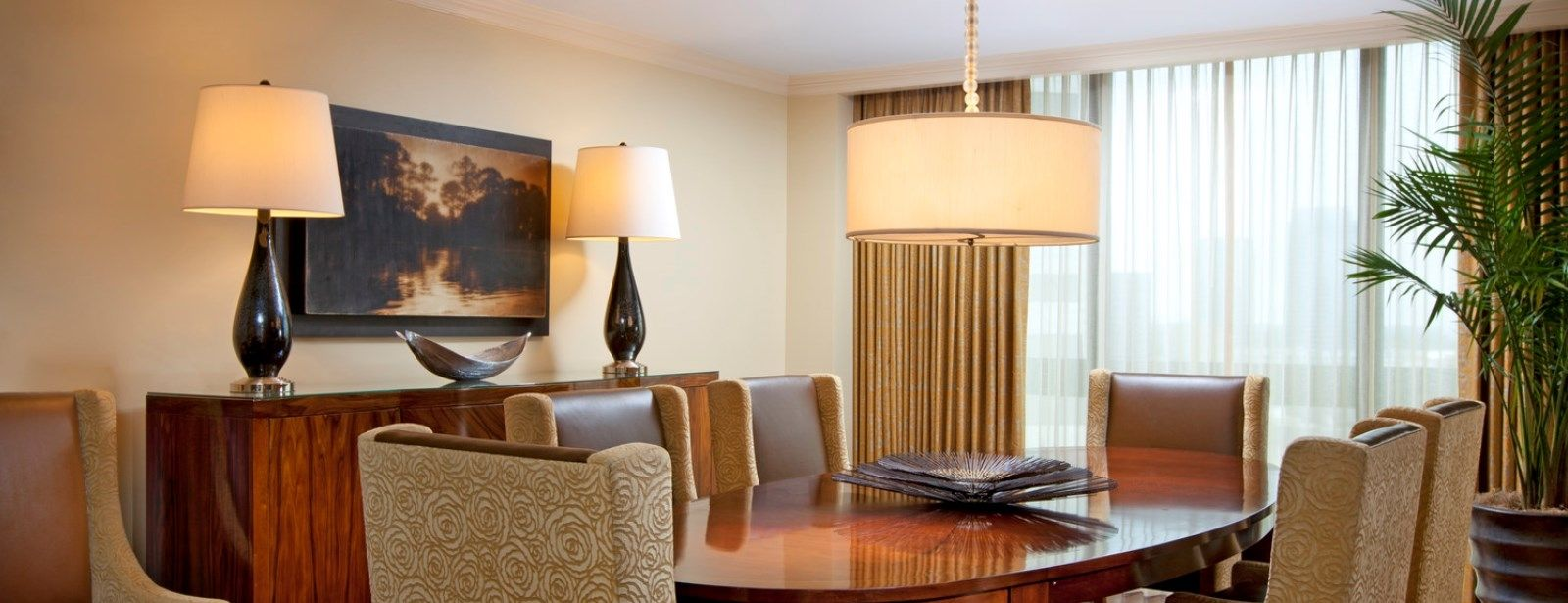 Royal Suite - Luxury Hotels in Houston - The St. Regis