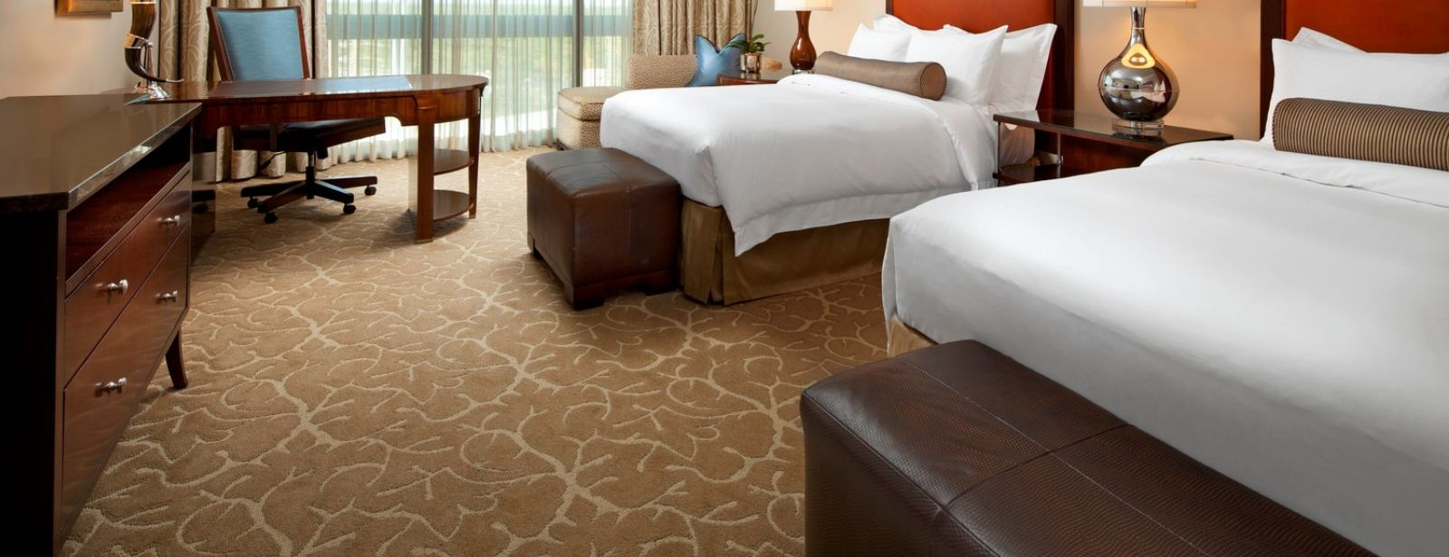 Astor Deluxe Guest Room - Luxury Hotels in Houston - The St. Regis Houston Hotel